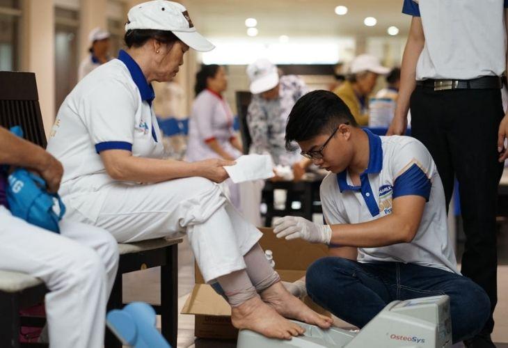 Tiến hàng đo loãng xương ở vị trị gót chân