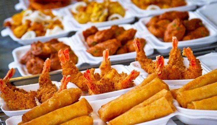 Đồ ăn có tính cay nóng hoặc nhiều dầu mỡ