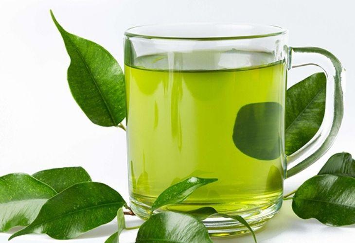 Uống trà xanh mỗi ngày để cải thiện chứng khô khớp