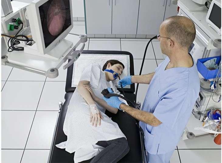 Nếu dùng thuốc và cải thiện lối sống không có hiệu quả thì bệnh nhân sẽ được điều trị bằng cách làm phẫu thuật