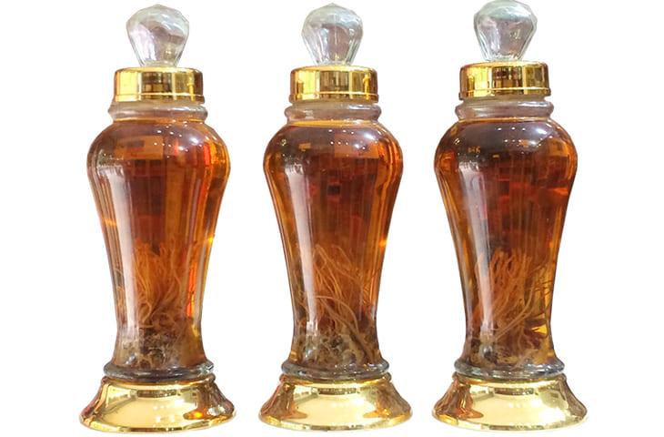 Đông trùng hạ thảo ngâm rượu là một loại thuốc quý