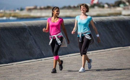Đi bộ đungs cách và khoa học mang lại nhiều lợi ích cho sức khỏe và hệ xương khớp