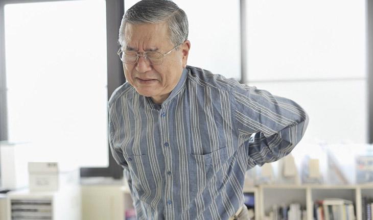 Tuổi tác là nguyên nhân chính gây thoái hóa khớp