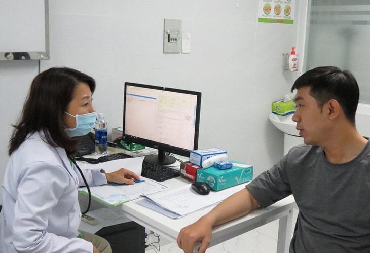 Để chẩn đoán thoái hóa khớp, bác sĩ sẽ tìm hiểu một số biểu hiện và làm xét nghiệm