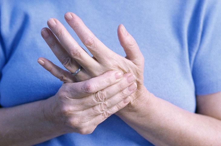 Thoái hóa khớp tay là bệnh thường gặp