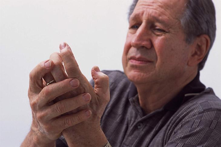 Tuổi tác là yếu tố chính dẫn đến thoái hóa xương khớp