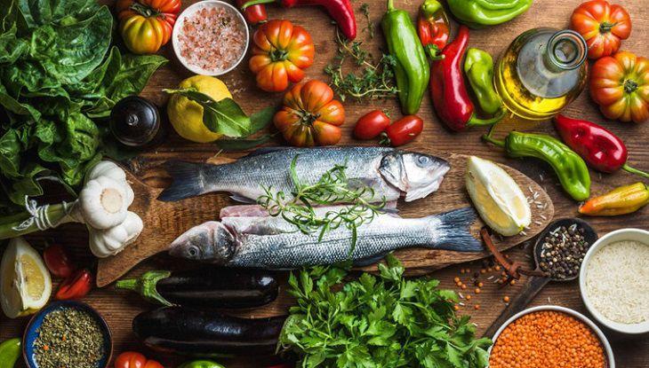 Thức ăn nào giới trẻ nên dùng để trị thoát vị đĩa đệm?