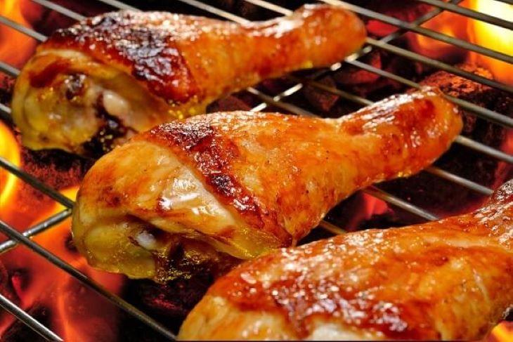 Thịt gà nướng cũng là món ăn yêu thích trong thực đơn Keto 7 ngày