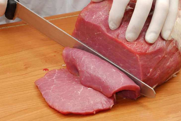 Người bệnh có thể sử dụng thịt bò thăn vào buổi tối của thực đơn Keto