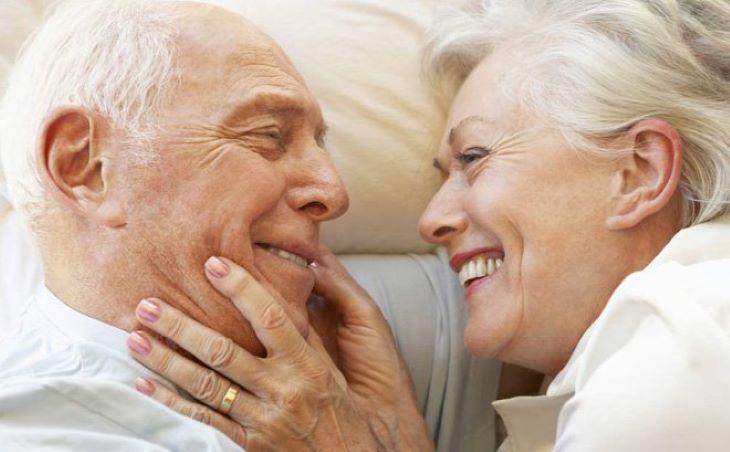 Tuổi cao là một trong những nguyên nhân chính gây ra căn bệnh ung thư này
