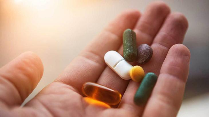 Bé sẽ được chỉ định dùng một số loại thuốc Tây để cải thiện tình trạng