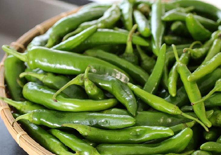 Ăn gì để giảm mỡ bụng nhanh chóng - đừng bỏ qua ớt xanh!