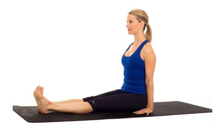Bài tập Dandasana tăng cường sức khỏe cho cột sống