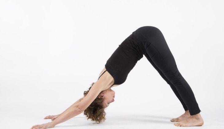 Bài tập Adho Mukha Svanasana giảm áp lực cột sống và tăng cường lưu thông máu