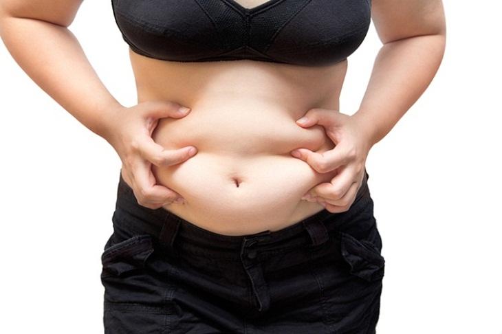 Vùng bụng nhiều mỡ thừa khiến các chị em mất tự tin