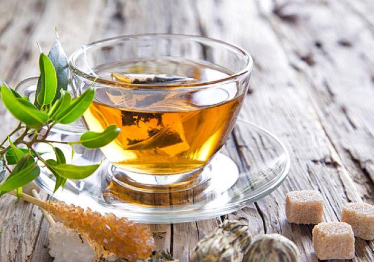 Nước thuốc cây đinh lăng dùng thường xuyên sẽ giúp cải thiện các chứng xơ, cứng khớp