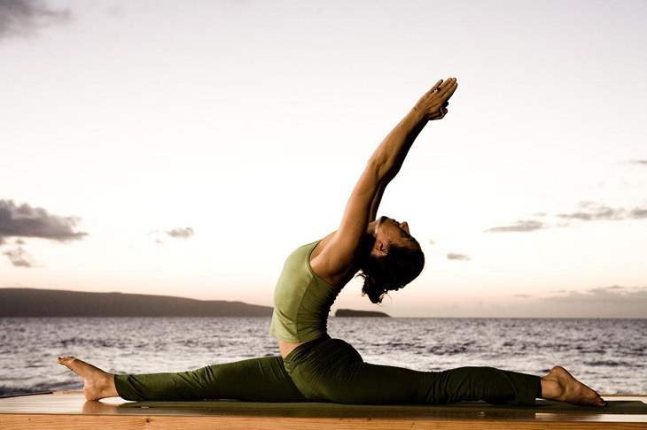 Tập yoga là một trong những cách giúp người bệnh thoát vị đĩa đệm nhanh chóng hồi phục