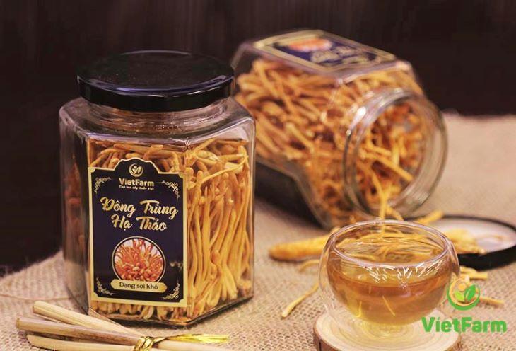 Thay vì mua đông trùng hạ thảo Đài Loan đắt đỏ, người dùng có thể lựa chọn các sản phẩm của người Việt