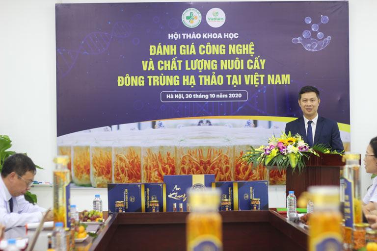 Ông Nhâm Quang Đoài chia sẻ về công nghệ nuôi cấy ĐTHT Vietfarm