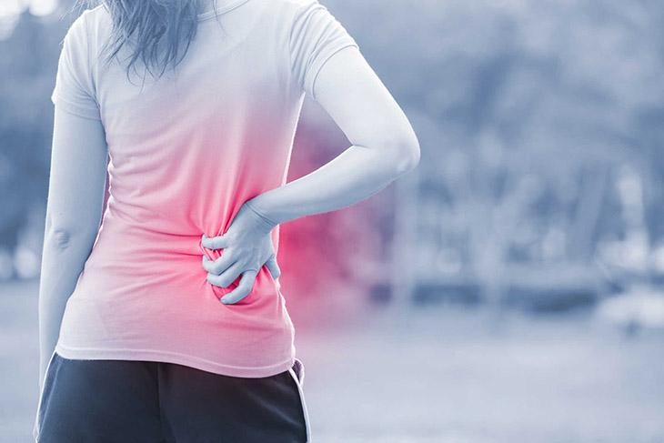 Bệnh lồi đĩa đệm L5-S1 có triệu chứng đau nhức thắt lưng