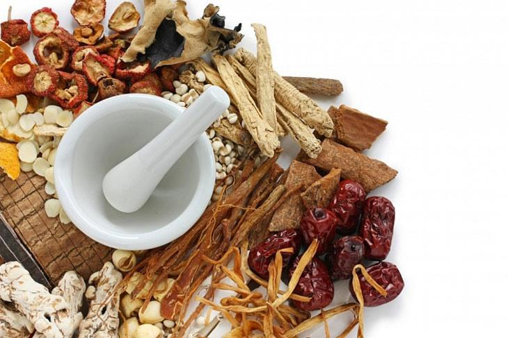 Loại bỏ mụn mủ trắng hiệu quả toàn diện với thuốc Đông y