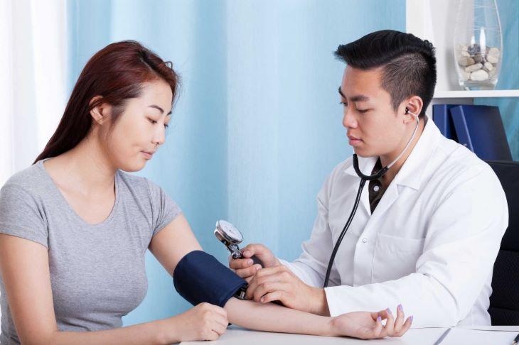 Nếu dùng quả la hán không có hiệu quả hoặc nảy sinh phản ứng phụ người bệnh cần gặp bác sĩ ngay
