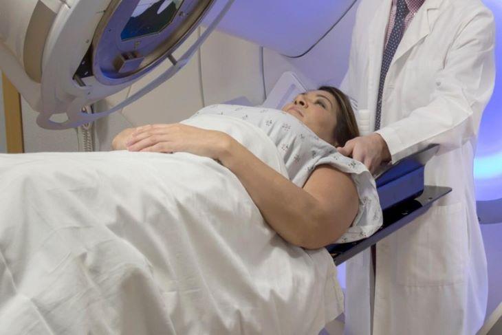 Xạ trị là một trong những phương pháp thường được dùng để điều trị ung thư
