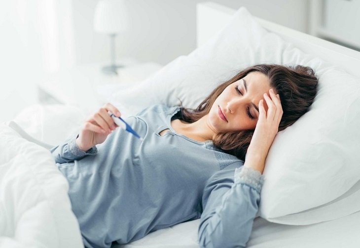 Viêm họng mãn tính có thể khiến người bệnh bị sốt cao