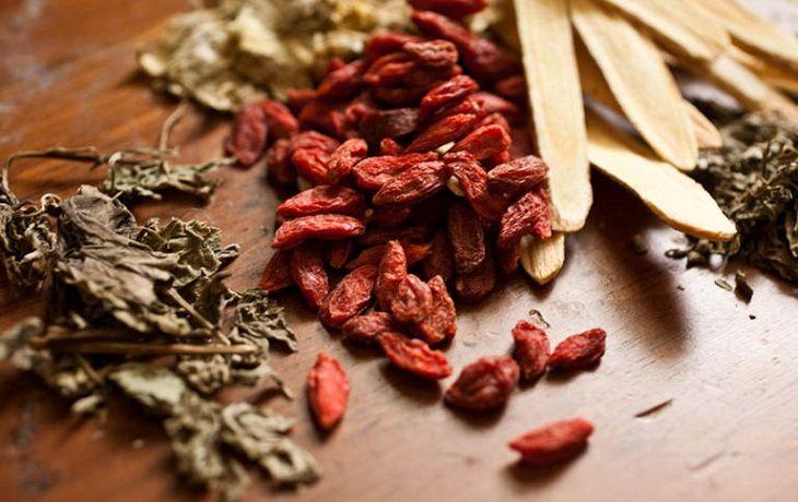 Các bài thuốc Đông y có thành phần từ thảo dược nên an toàn, lành tính