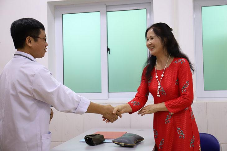Nghệ sĩ Thanh Hiền đã chữa khỏi mề đay mẩn ngứa nhờ Quân dân 102