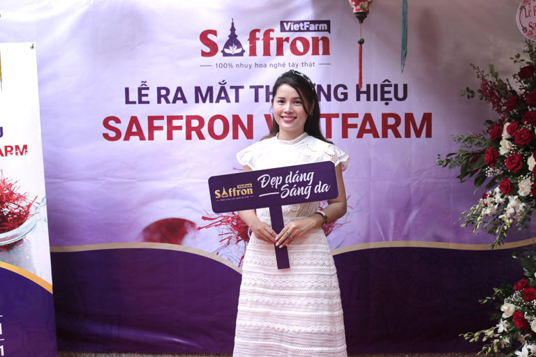 Chị Phong hoàn toàn an tâm về chất lượng sản phẩm Saffron Vietfarm